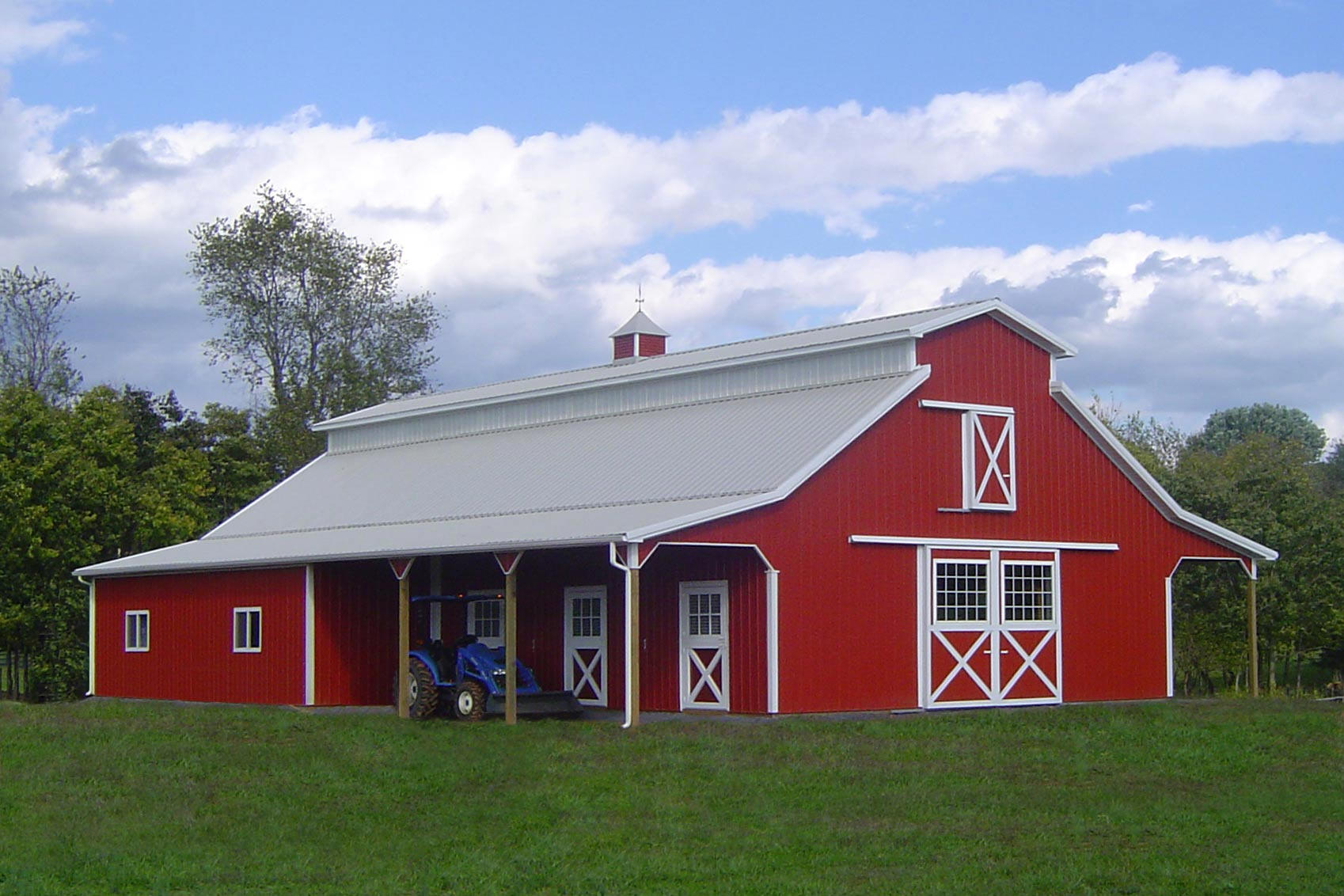 American barns for your horses cool shed deisgn for Cool pole barns