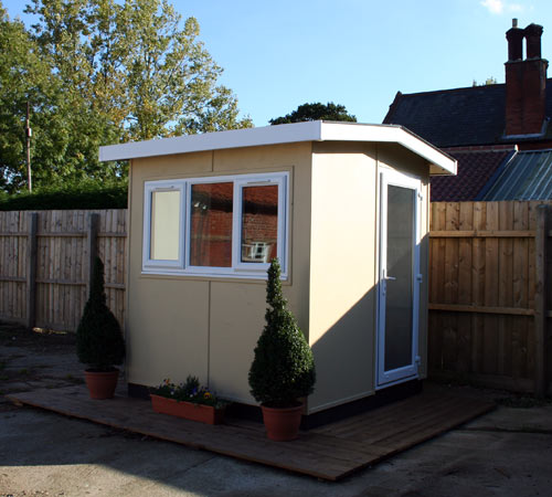 Using a garden shed as a home office cool shed deisgn for Garden office and shed