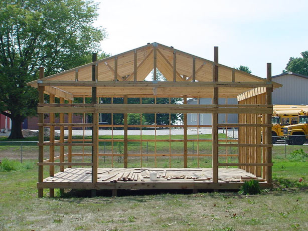 Pole barn designs 3 popular designs to choose from for Pole building design
